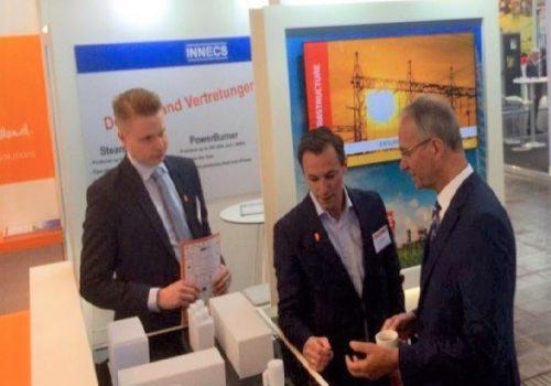 Minister Kamp bezoekt Energy Storage NL lid S4 Energy op de Hannover Messe